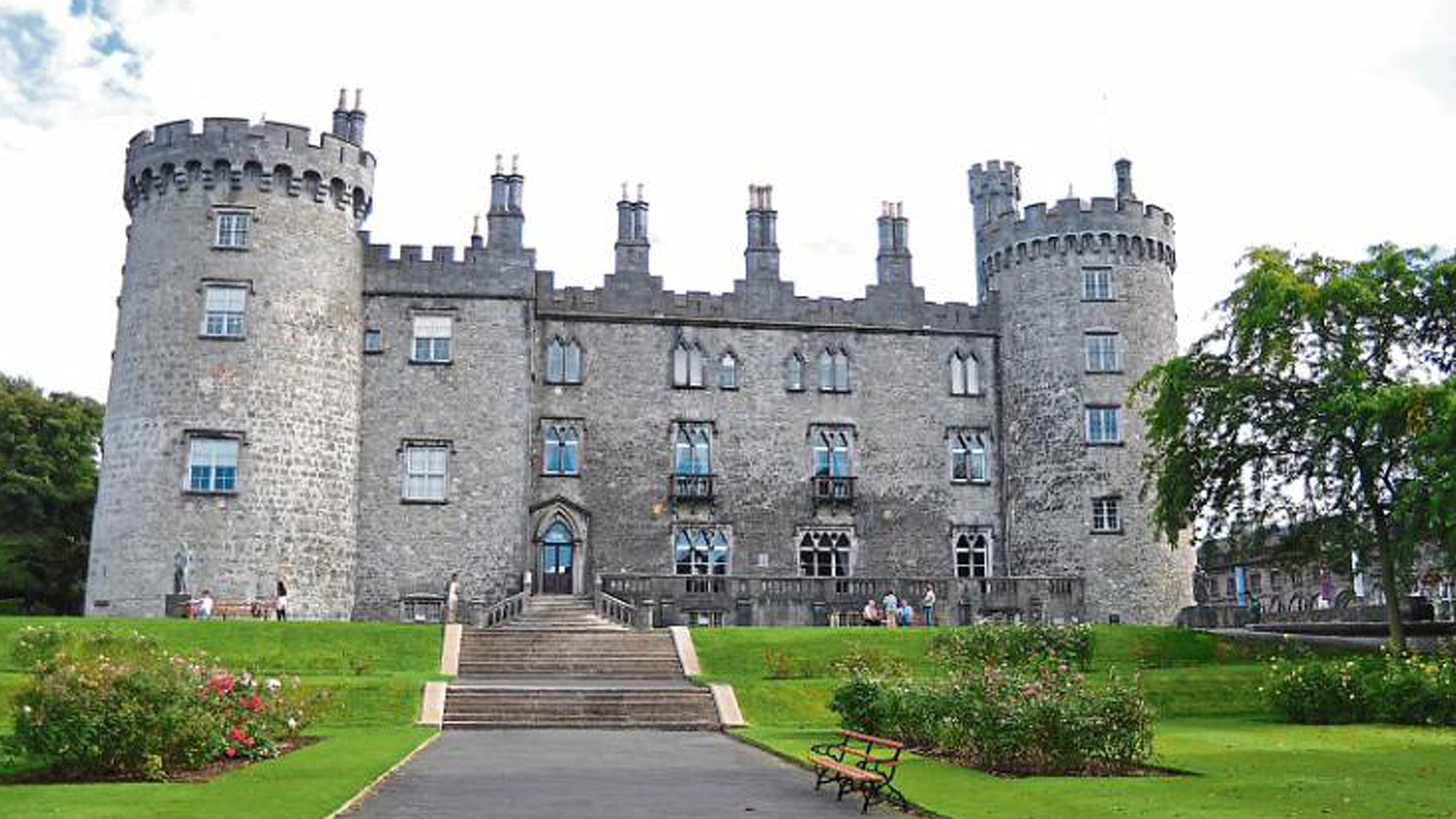 The art and architecture of Ireland